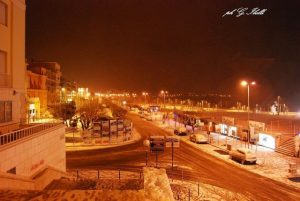 Viale Garibaldi innevato (foto Ibelli)